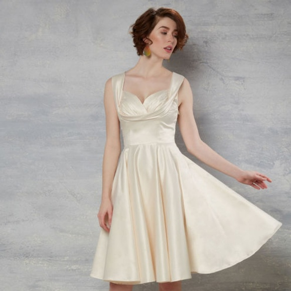 Candice Gwinn Dresses & Skirts - Candice Gwinn New Orleans A-Line Dress in Cream